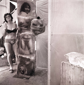 Alina Szapocznikow, sculptures in the studio in Malakoff