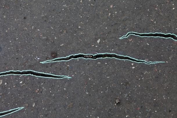 Ruchy Ziemi, czyli dlaczego pękają chodniki na Bródnie?