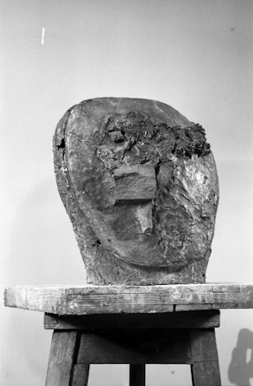 Head incrusted, 1961