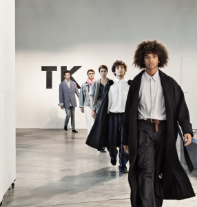 Cruise Capsule Collection - Tobias Kaspar Performance, catwalk and clothing swap