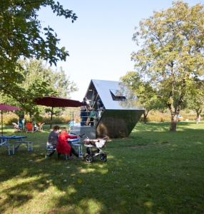 FLYING UNIVERSITY AT THE SCULPTURE PARK Teahouse
