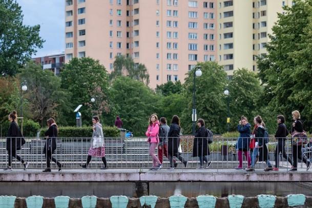 Магдалена Абаканович у Парку Скульптур на Брудні
